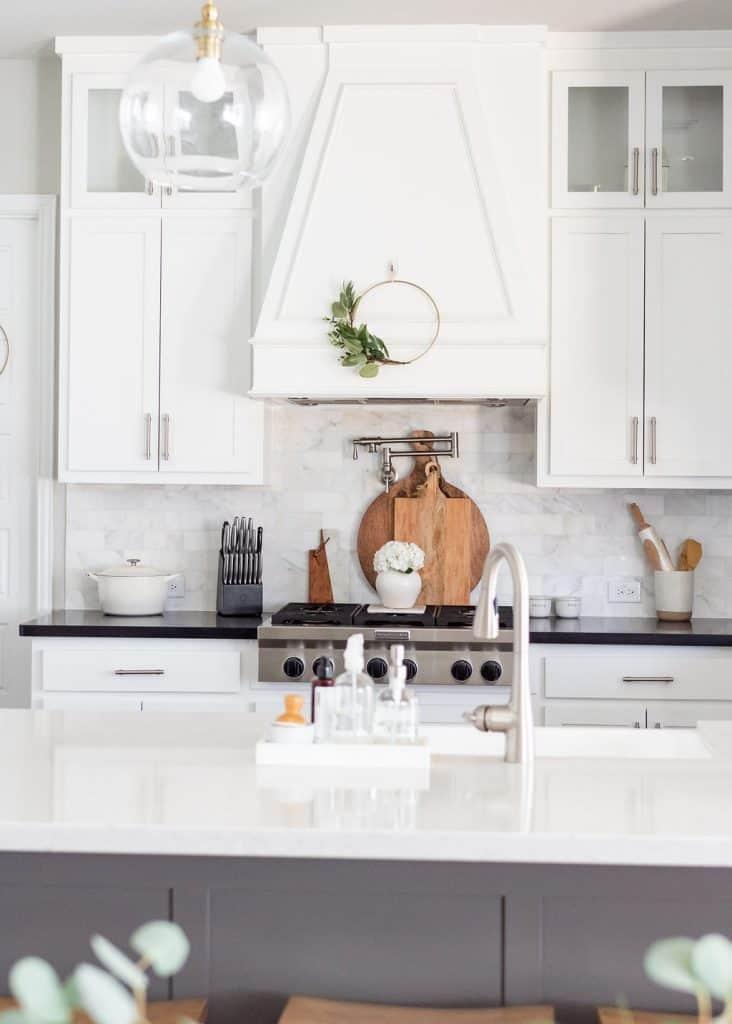 Simple Farmhouse Spring Kitchen Decor Ideas