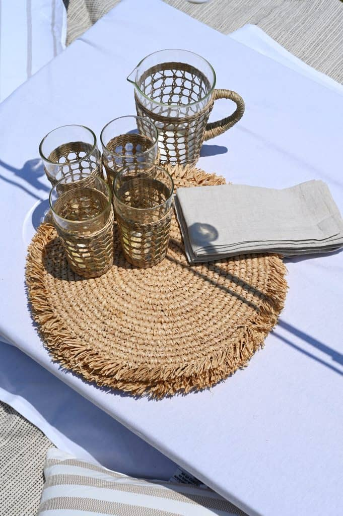 outdoor dining space details