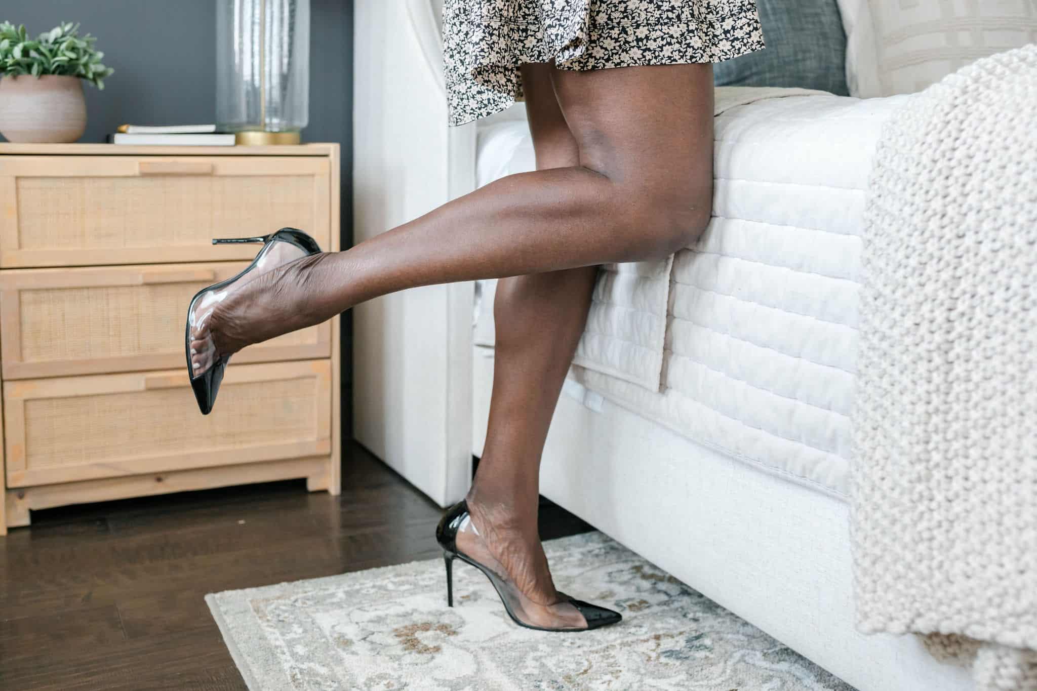 Modeling clear heels on bedside