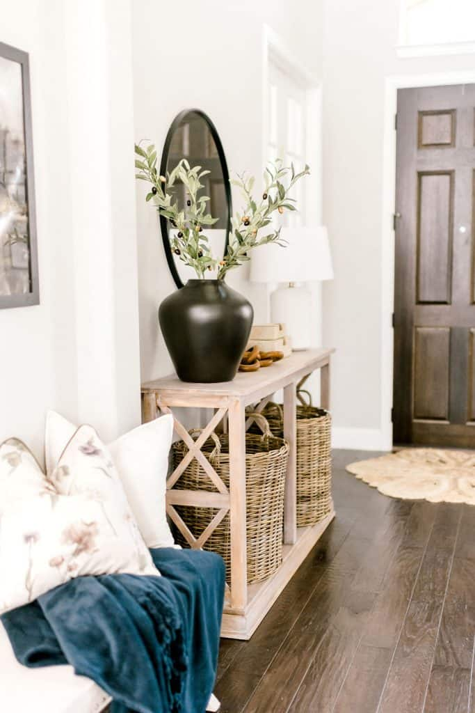 Front foyer with vase and shelf
